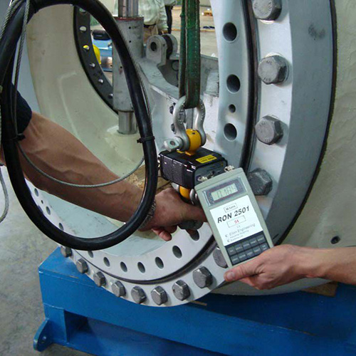 A yaw bearing is tested